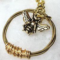 SEbeenecklace2